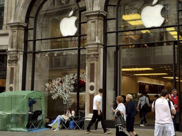 apple_britain_store_ap.jpg