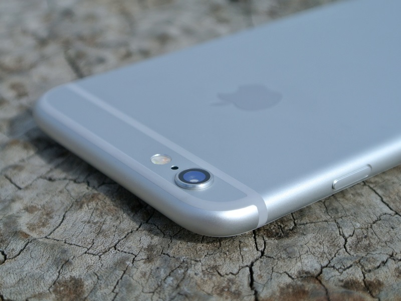 Nexus 5, iPhone 6s, MacBook, Surface Pro 3, and Other Deals of the Week