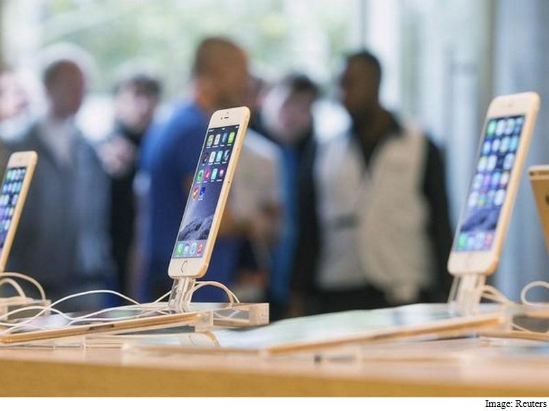 Husband of San Bernardino Attack Victim Takes Apple's Side in FBI Spat