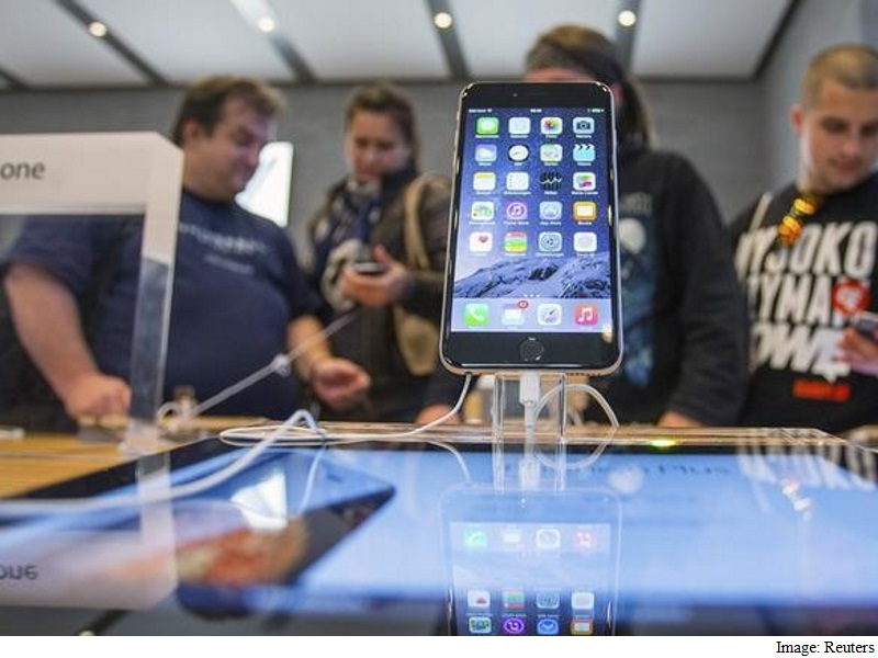 France Clears Bill That Could Force Apple to Unlock Terror Data