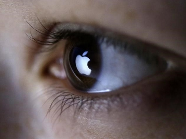 apple_logo_eye_reuters.jpg