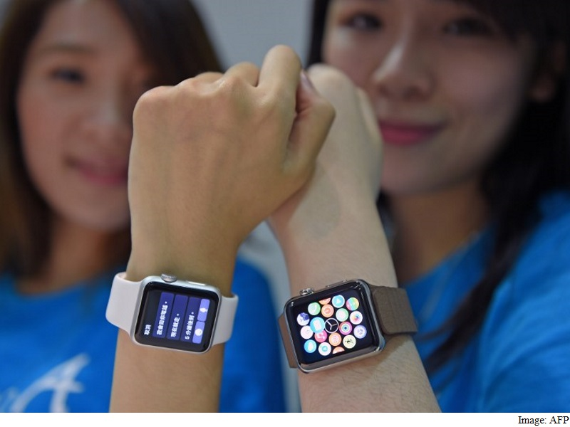 Wearables Market Races Ahead, Paced by Fitbit, Apple: IDC