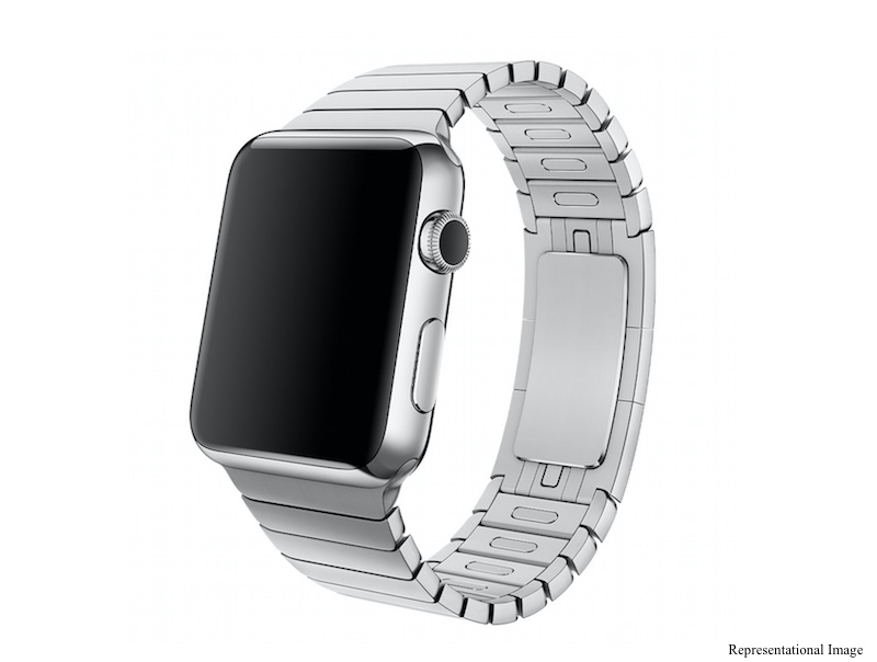 Apple Patent Tips Multi-Function Band for Apple Watch 2