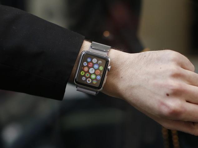 apple_watch_wrist_reuters_3.jpg