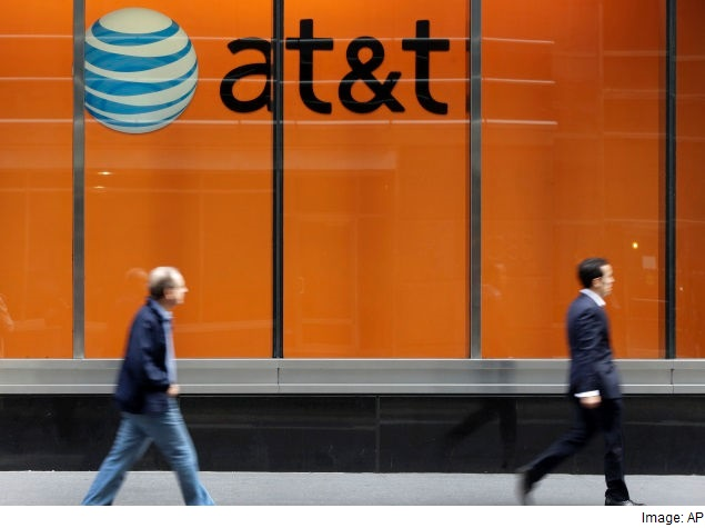 In Report on Data Collection Practices, WhatsApp and AT&T Fail the Test
