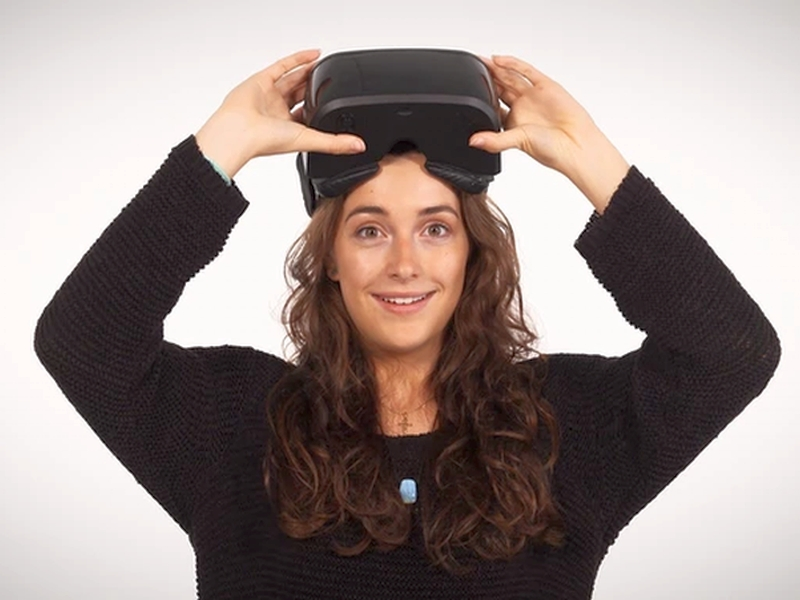 AuraVisor Offers a Middle Ground Between Google Cardboard and the Oculus Rift