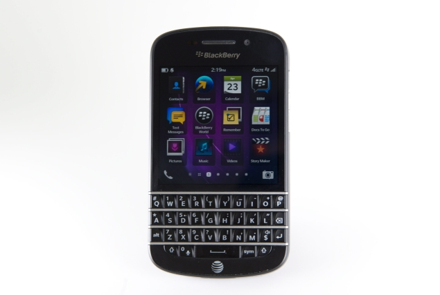 BlackBerry Q10 practically sold out in Canada, Britain: Analyst