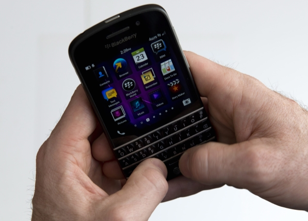 BlackBerry Q10 review: The keyboard strikes back