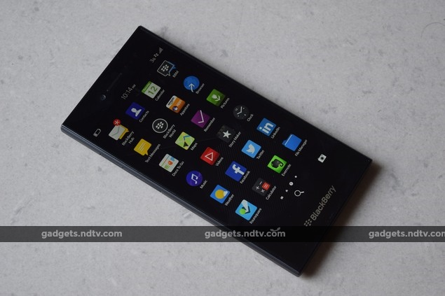 blackberry_leap_front_ndtv.jpg