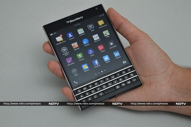 BlackBerry Passport Review: The QWERTY Challenger