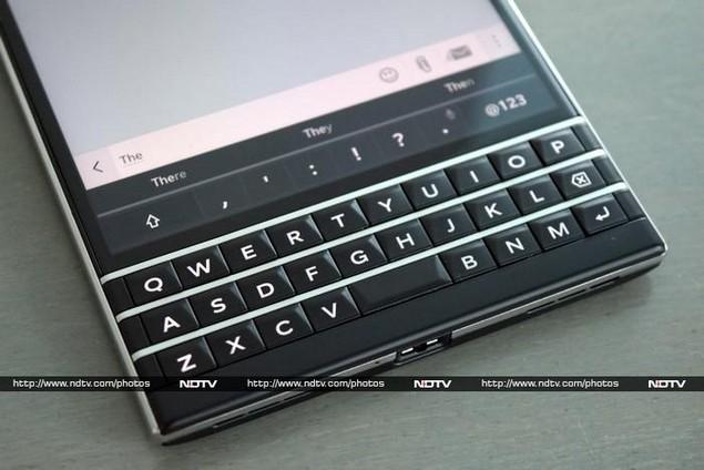 blackberry_passport_keyboard_ndtv.jpg