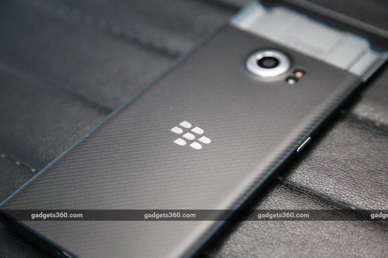 blackberry_priv_rear_ndtv.jpg