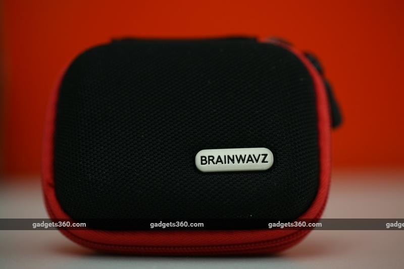 brainwavz_blu_200_box_gadgets_360.jpg