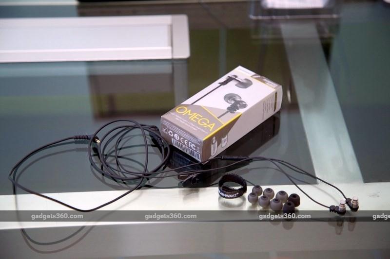 brainwavz_omega_box_accessories_gadgets_360.jpg