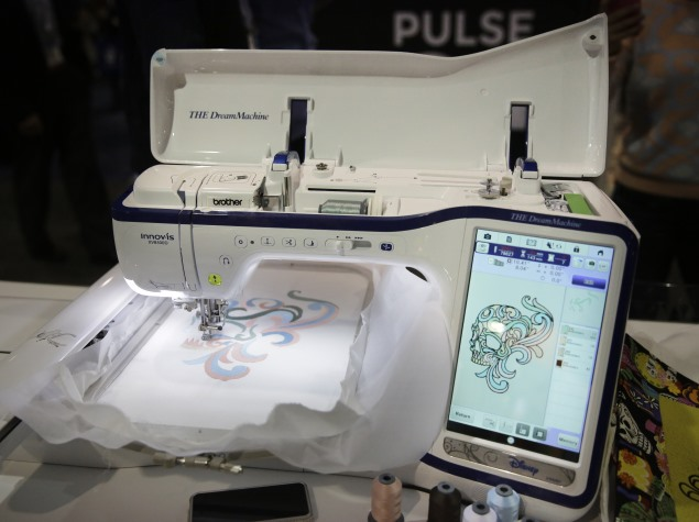 brother_dream_sewing_machine_xv8500d_ces_2015_ap.jpg