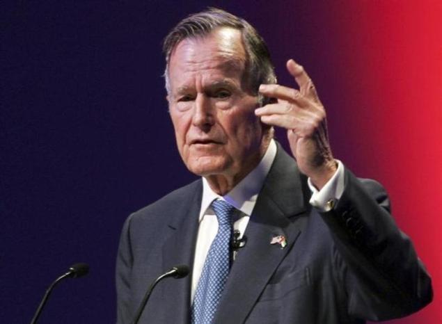 Email hacker reveals Bush family photos, addresses
