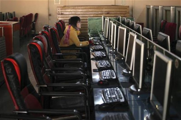 China tightens Internet controls, legalises post deletion