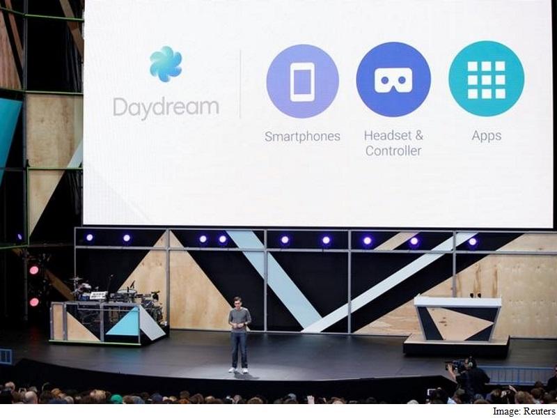 clay_bavor_introduces_daydream_google_io_2016_reuters_827.jpg