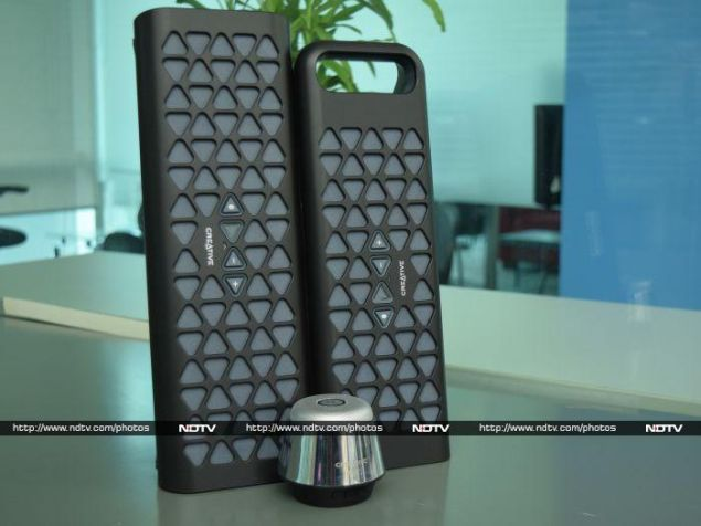 Creative Muvo 10, Muvo 20 and Woof Review: Kings of Connectivity