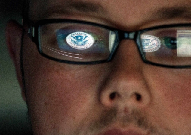 Legal fears muffle warnings on cyber-security threats