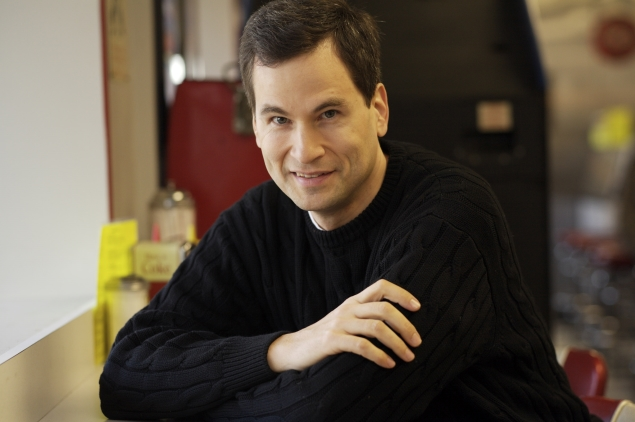 Yahoo hires tech columnist Pogue to expand technology news offerings