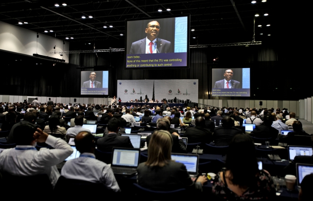 US fails to win early limit on Net controls at global gathering