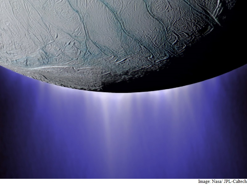 Nasa's Cassini Probe Plunges Through Icy Spray of Saturn's Moon