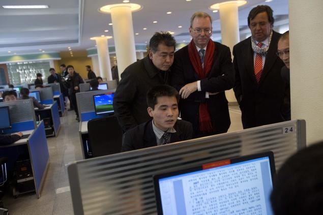 Google's Eric Schmidt gets first look of North Koreans using Internet