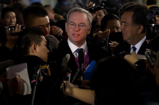 Google's Schmidt urges Internet openness in North Korea