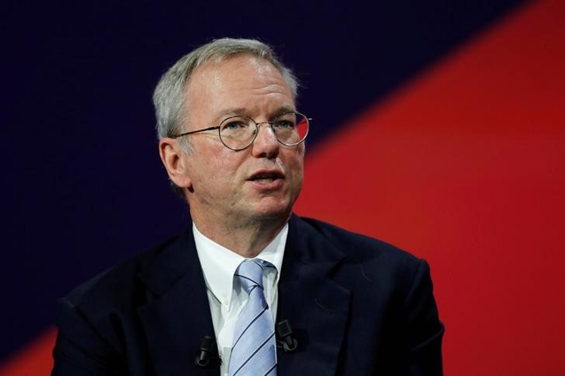 Google's Schmidt Says Brexit Vote Unlikely to Shift Investment