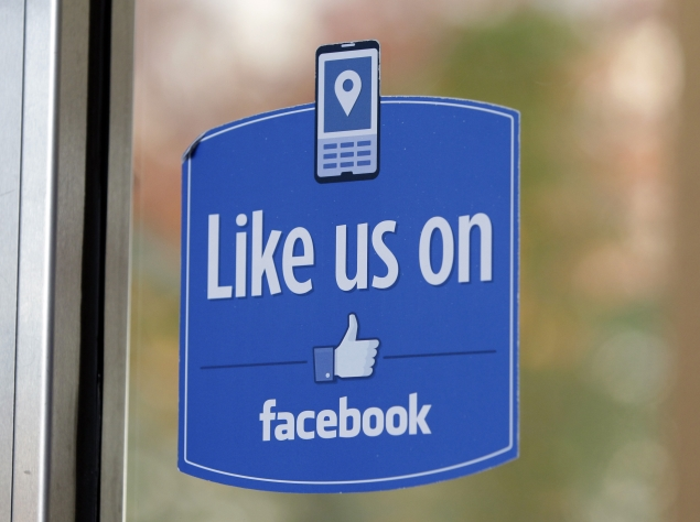 Facebook cracks down on fake 'Likes' during poll season