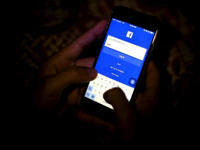 Facebook to Test Offline Videos With Select Group of People in India From July 11