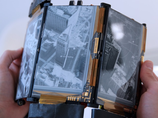 PaperFold Smartphone Can Be Unfolded Into a Laptop, Map or Tablet