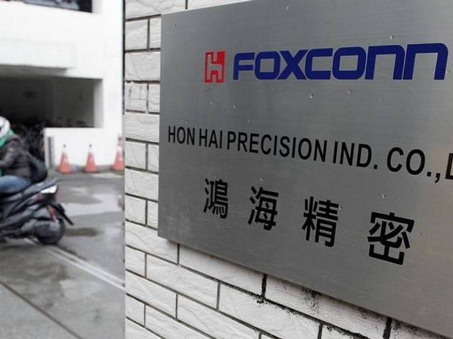 iPhone Maker Foxconn in Talks to Build First Apple Plant in India