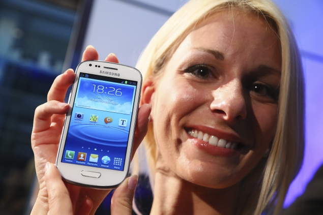Samsung Galaxy S III takes No.1 position in smartphone market - research