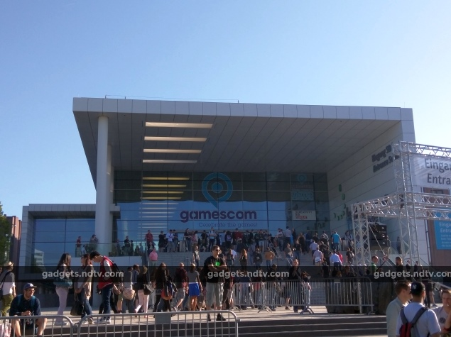 Gamescom 2015 Day One - Nintendo News, Metal Gear Solid 5, and Street Fighter V
