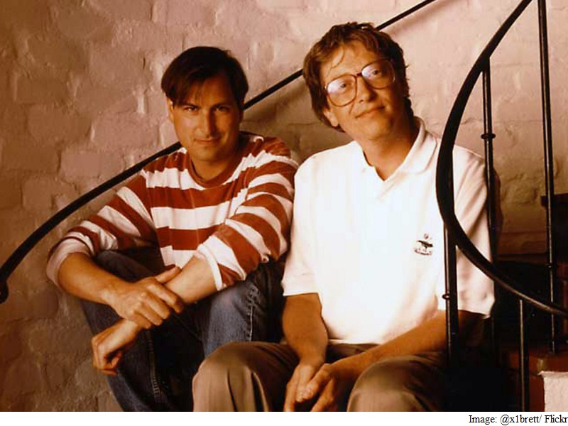 biografia steve jobs y bill gates essay So it's probably best to ratchet the rhetoric down a notch and call it ingenuity bill gates is super-smart, but steve jobs was super-ingenious.