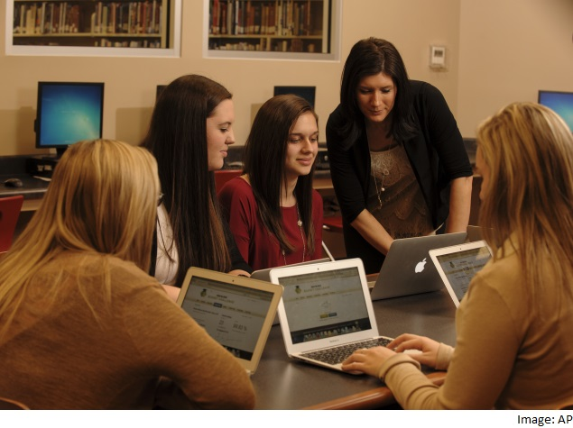 US Tech Industry Needs Women and Must Interest Them at School, Say Experts
