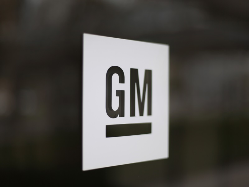 GM Forms Team for Self-Driving, Electric Cars
