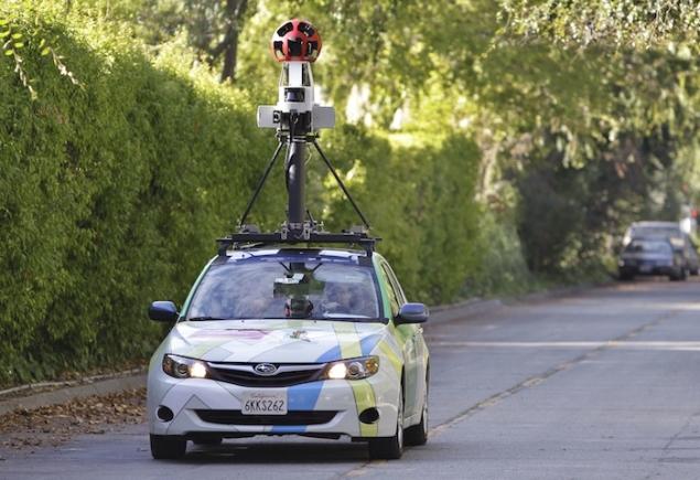 Google Street View snaps Australian couple 'having sex on road'