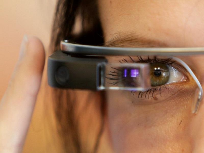 Google Glass Goes Dark on Its Social Media Accounts