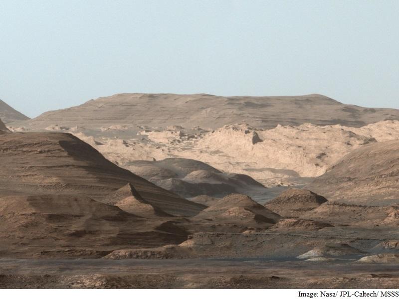 Nasa's Curiosity Rover Sends Back Postcard From Mars