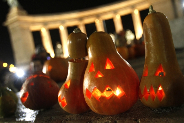 New age Halloween apps for a spooky and safe night