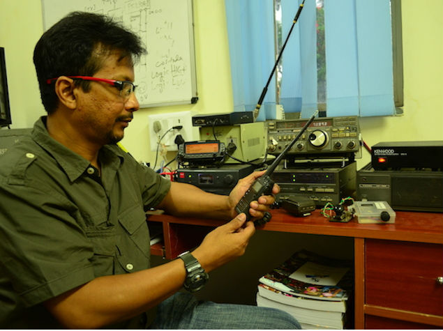 The First Social Network: Chewing the Rag With India's Ham Radio Operators