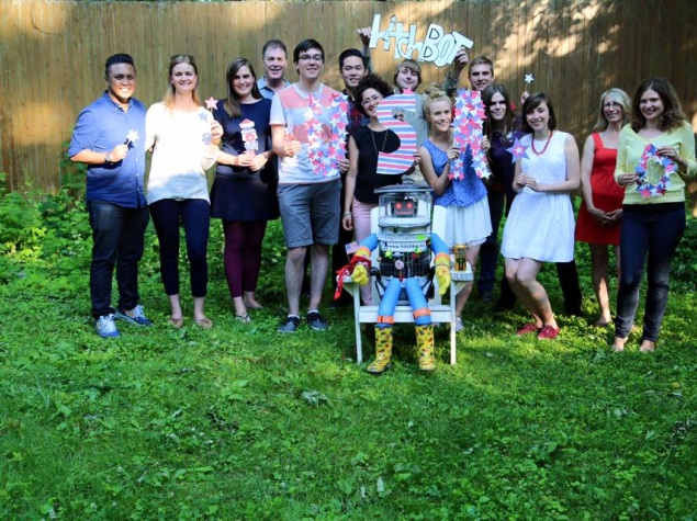 Hitchhiking Robot's Cross-Country Trip in US Ends in Philadelphia