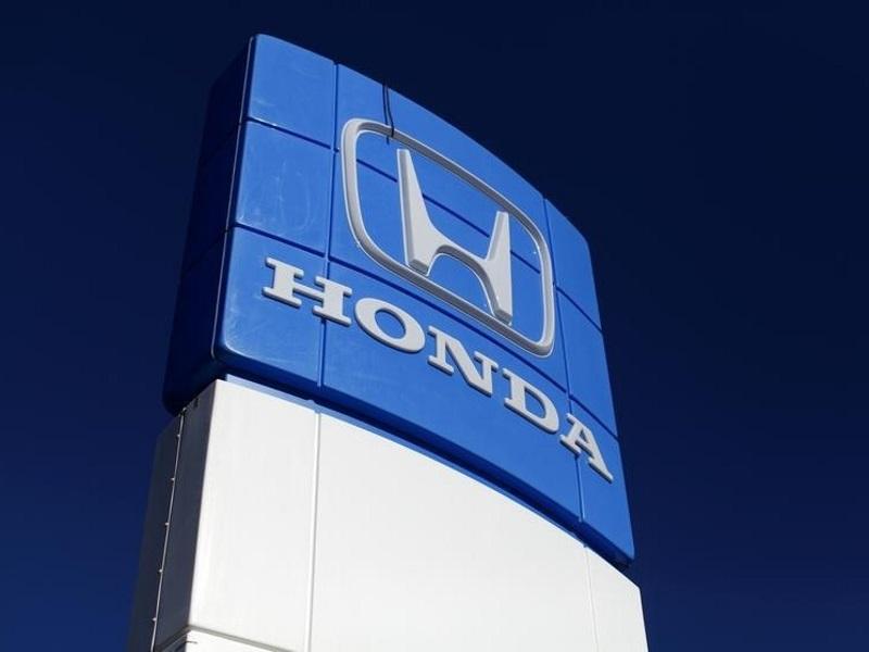 Human Roadblock for Japanese Firms Developing Autonomous Cars