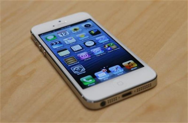 sell my iphone 4s apple may sell 33 million iphone 5 units this quarter 16093
