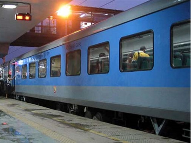 IRCTC Starts Cash on Delivery for Train Tickets