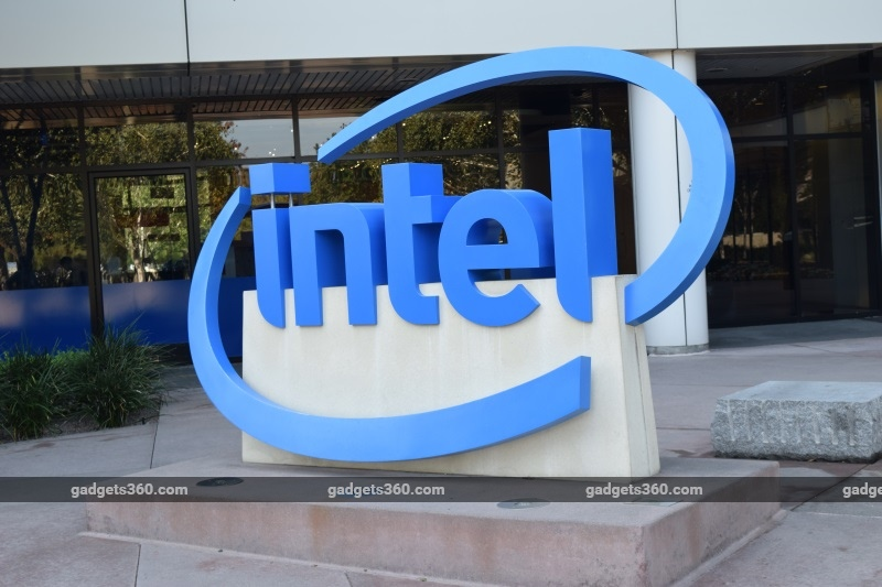Intel Says Meltdown, Spectre Patches Can Cause Reboot Problems in Old Chips