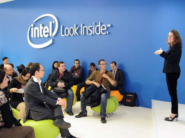 Intel Forecasts Disappointing Revenue and Gross Margins